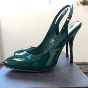 Gucci patent leather pumps gorgeous Kelly green